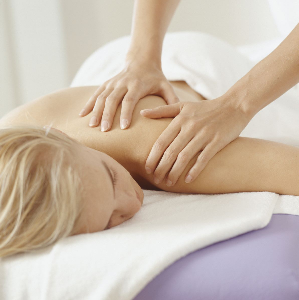 massage-away-winter-blues-wellness-news