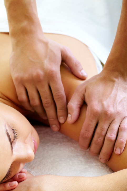 beat-holiday-stress-wellness-news-elements-massage