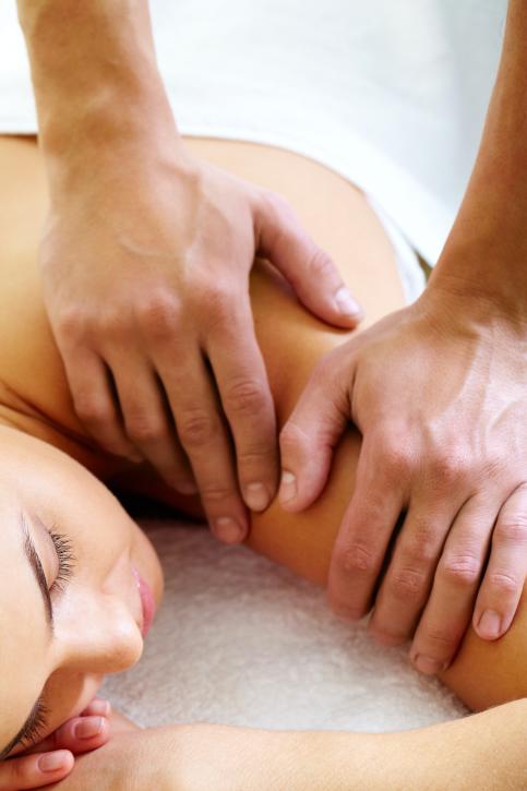 beat-holiday-stress-wellness-news-elements-massage