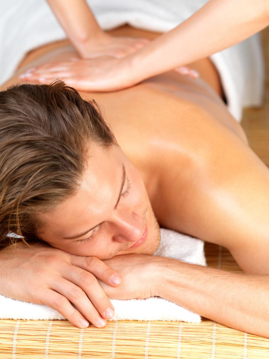 sports-massage-men-elements-wellness-news