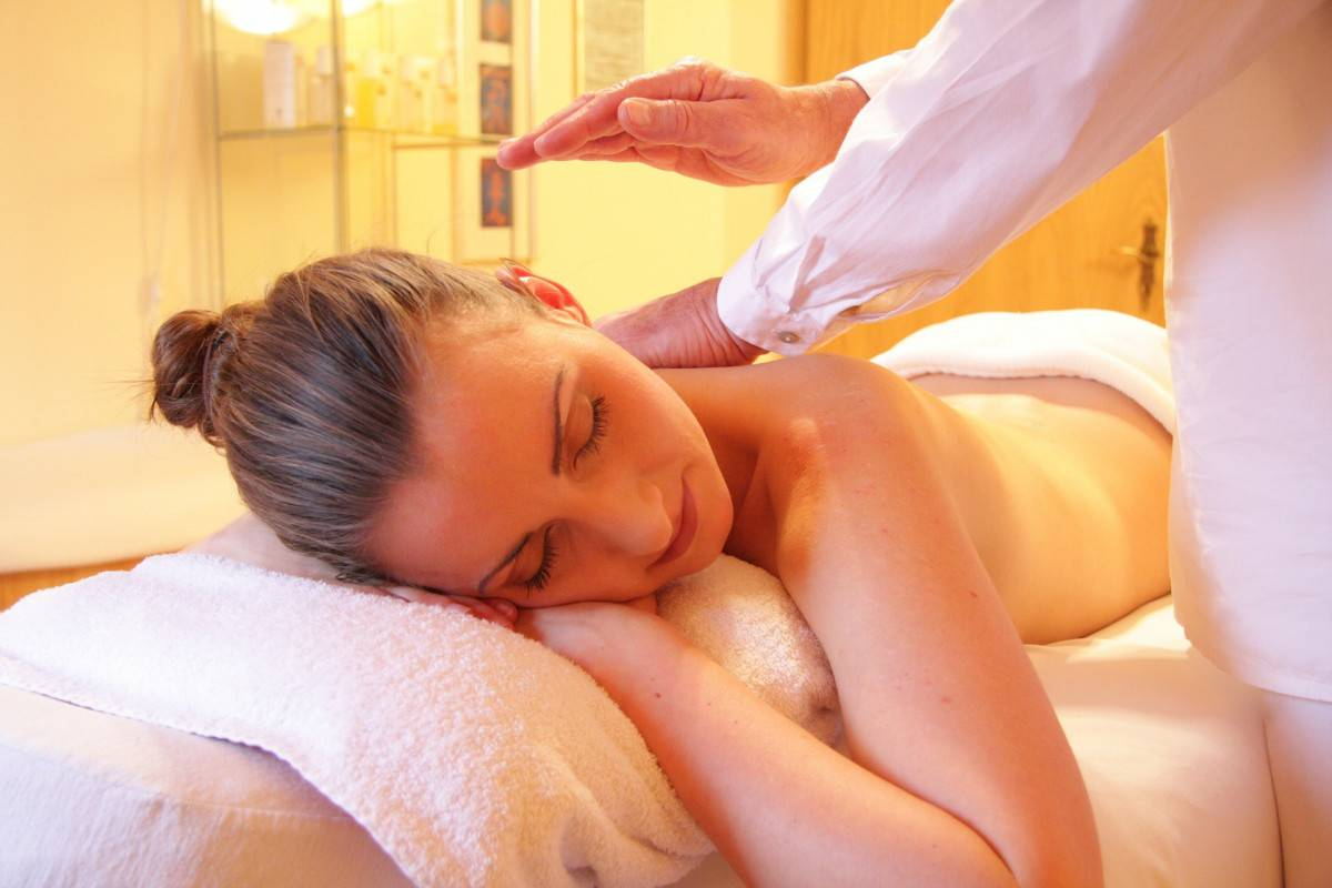 Banner Image for Busy Working Moms – Imagine a Massage and Aromatherapy Escape!