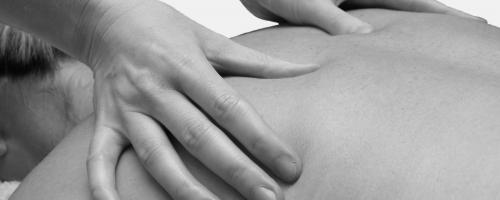 massage on back photo