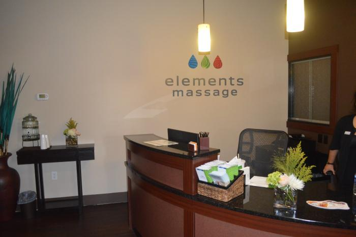Elements Piney Creek lobby Logo