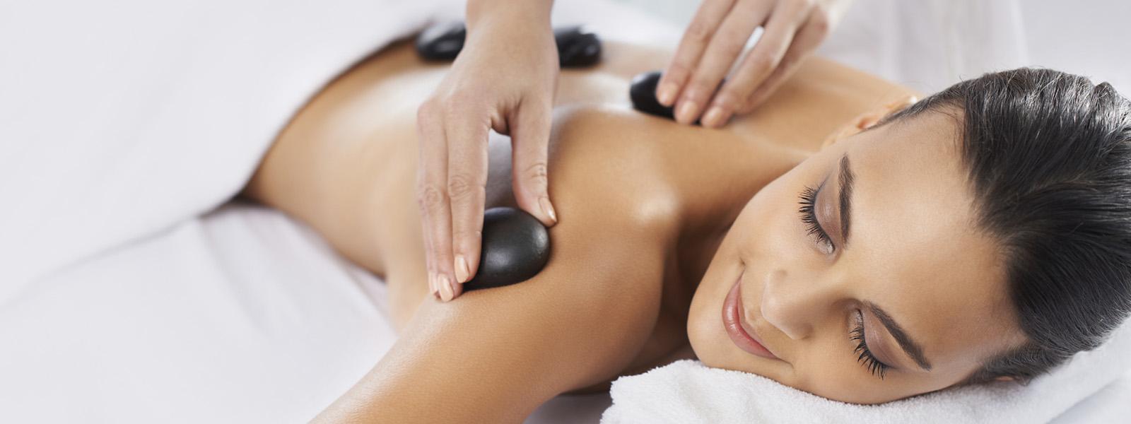 Warm stone massage-2734