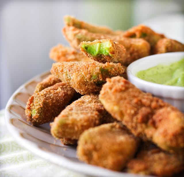 falafel with green sauce